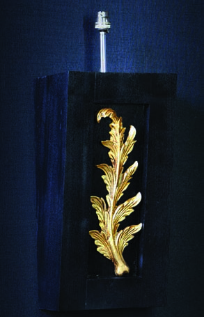 Cветильник Todd Knights, Boxed Leaf (TKL09)<br>240 x 460mm (without shade), Fitting height 130mm<br>Shade size 460 x 300mm, Total height with shade 800mm<br>Material: Resin, metal & wood<br>Fitting: ES Standard Bayonet<br>Shade colours: Cream, taupe & black.<br>Other colours on request