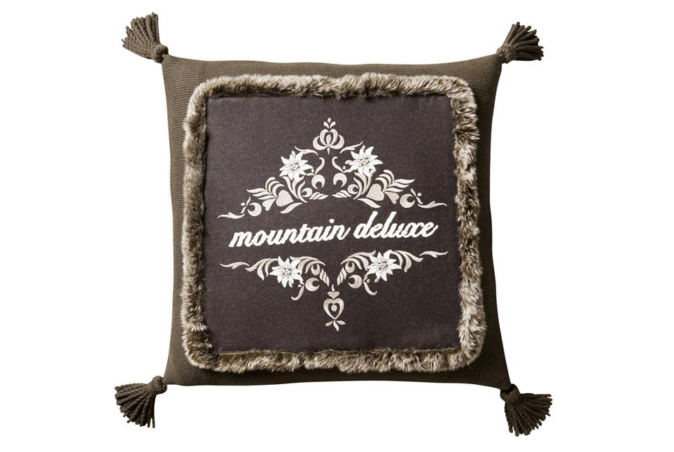 Подушка Fine, Collection: Mountain deluxe love the alps<BR>Material: 68 % WO / 32 % PA (Stickgarn / Embroid. yarn: 100 % CO)<BR>Size: 50 x 50 cm<BR>Артикул: HEIDI 149